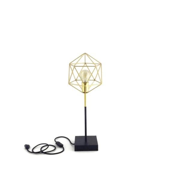 Iris Gold und schwarz Minimal Design Tisch von LightingAlchemy
