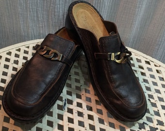 Naot Distressed Black/Dark Brown Leather Slip On Shoes made in Israel Ladies Euro Size 40 US Size 9