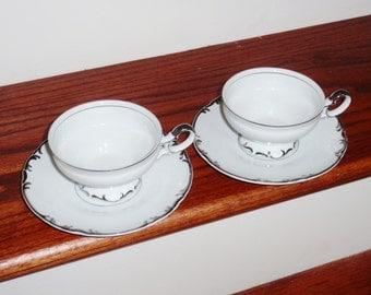 2 ensembles MIKASA Marlboro 9267 sur pied tasses soucoupes porcelaine Fine du Japon des années 1960 blanc festonné platine garniture Excellent État