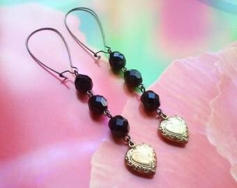 Vintage Black Dangle Earrings.   Etched Brass Hearts Earrings.   MissShugsJewelryShow.