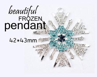 Frozen inspired snowflake aqua/clear rhinestone pendant   CP07