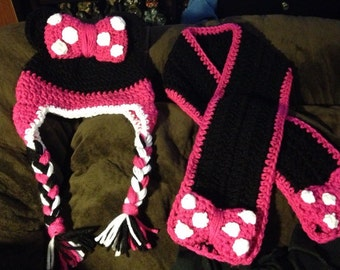 Minnie Mouse Hat & Scarf set