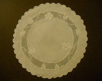 """Set of Four Doilies Machine Embroidered 10"""" Diameter"""