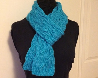 Double cable knit scarf