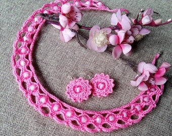 Set: crocheted necklace and earrings made of cotton