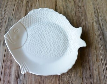 Mid-Century Modern 'Chicken of the Sea' pottery Tuna Plate made in California by Bauer