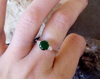 SALE! Round Emerald Ring, Thin Stackable Ring,Gold ring, Gemstone Ring,Stacking Ring,Green Ring, Bridal Ring