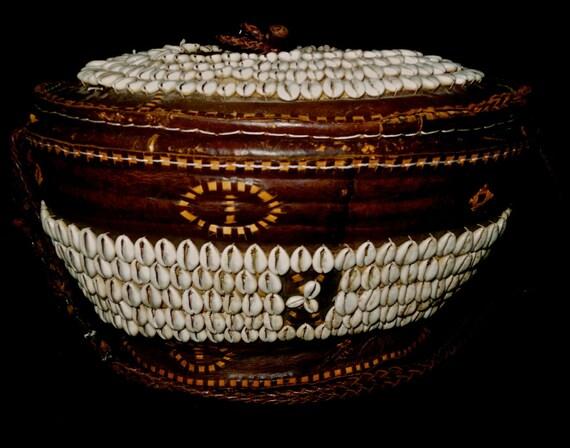tribal african basket with lid made of fiber by ethosethnicart. Black Bedroom Furniture Sets. Home Design Ideas