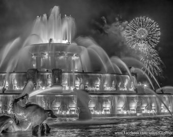 Chicago Photograph- Buckingham Fountain, Black and White Art Print, Fireworks Art, Charm Photo, Photo Gift, 8x10, 8x12, Chicago Wall Art