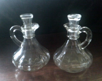 Vinegar /Oil Jugs Pair Anchor Hocking Original Glass stoppers