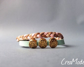 Bracelet made of suede and three Golden beads