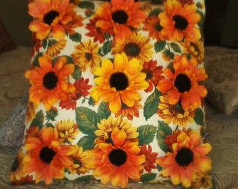 Bright Stand-Out Sunflowers on Sunflowers Pillow Cover