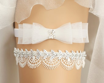 wedding garter, bridal garter, wedding garter set, white garter, bow garter, toss garter, bridal accessories, bow garter set, garter set