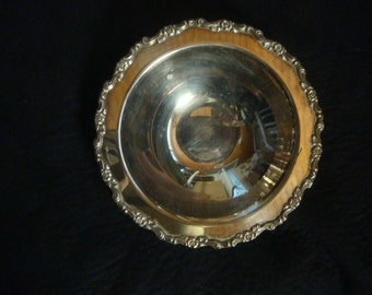 Vintage Wm.A Rogers Oneida Ltd Silver Plated Fruit Bowl