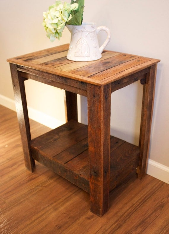 Nightstand Table: Pallet End Table/Nightstand/Accent Table