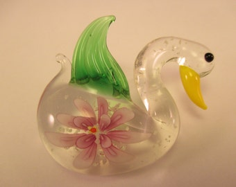 Swan Glow In The Dark Glass Pendant. Item:BC818537