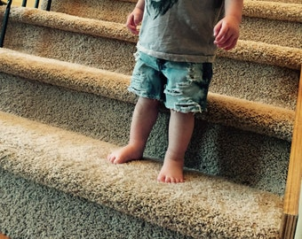 Distressed toddler shorts