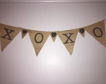 XOXO Burlap Banner