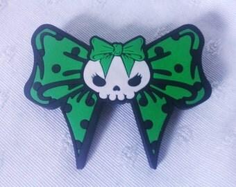Barrette kawai node green skull