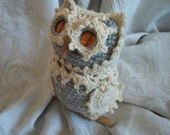 Knitted owl Melisa