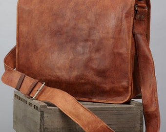 Leather Messenger Bag by Vida Vida