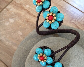Handmade stone flower beaded bracelet