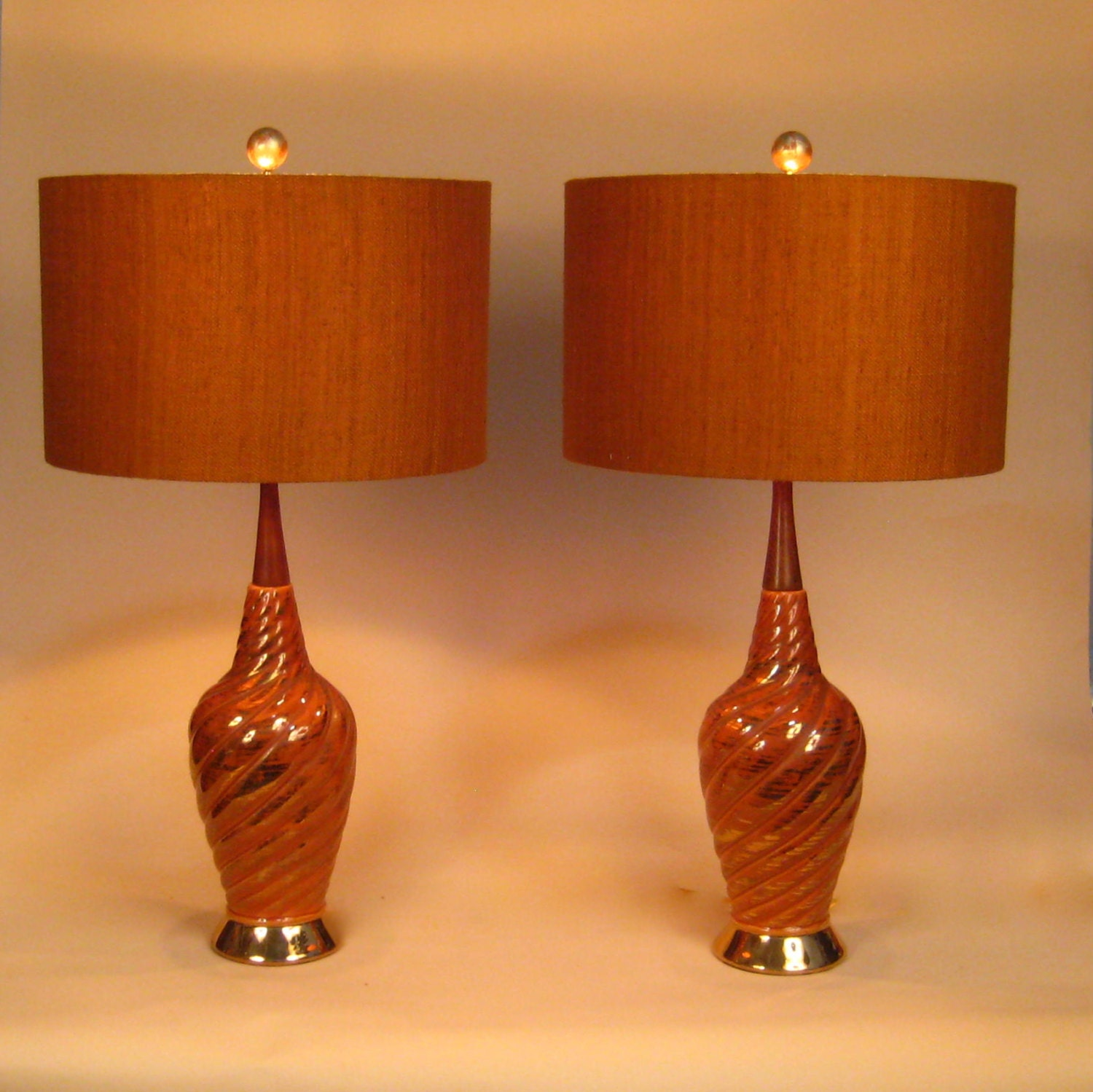 mid century modern pair of lamps drum lamp shades orange. Black Bedroom Furniture Sets. Home Design Ideas