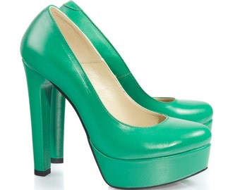 Bella Green Leather Pumps