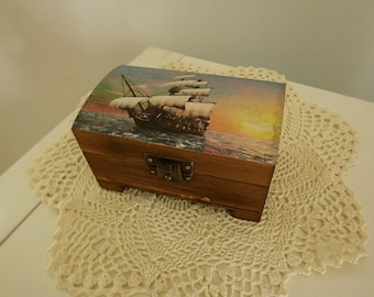 Handmade, box with sailing ship.