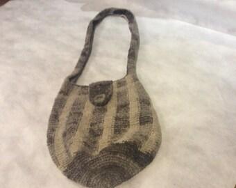 Handmade wool handbag-purse