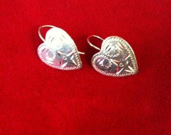14 k Yellow Gold Heart Earrings. 0.8 Gm,