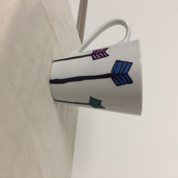 Colorful arrow coffee mug
