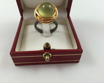 New GORGEOUS 9.51 ct Prehnite Semi Precious Stone on 18K Yellow Gold and Black Rhodium over Sterling Silver Ring size 7