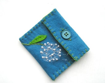 Felt coin purse, Dandelion purse,handmade felt purse, gift purse, small purse, Blue with dandelion applique and embroidery