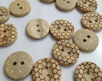 30 x 15mm coconut shell honeycomb buttons