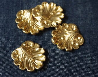 Medium Ornate Seashell Stamping - Raw Brass - 4pcs