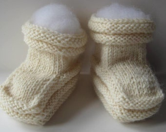 Baby Booties Handknit in Cream - Natural - Wool Blend Yarn - Baby Cuteness