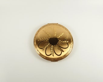 ON SALE! Vintage Elgin American Gold Ornate Powder Compact Extra Large with Knitted Pouch