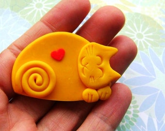 Polymer Clay Yellow Cat with Heart brooch pin or magnet
