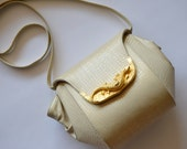 Vintage Beige Shoulder Bag - MADE in USA - Purse with Ornate Gold Lizard Clasp -Embossed Crocodile Crossbody Handbag