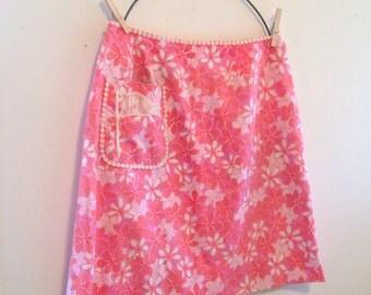 """Reserved Vintage lilly pulitzer """"the lilly"""" sports golf skirt  fits a size Small golfing flag 19th hole pink and orange floral"""