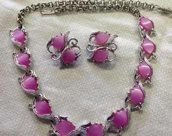 Vintage  Lavender Pink Thermoset Necklace and Earring Demi Parure