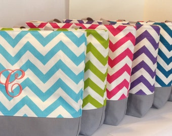 Set of 6 Chevron Beach bags - Design Your Own . Standard size . chevron tote . great bridesmaid gift . MONOGRAMMING available
