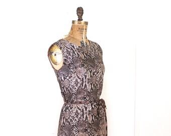 serpentine chic, vintage 1960s Snakeskin print Shift Dress - size small to medium