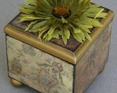 Olive Paisley Swirl Decorative Keepsake Trinket Lift Top Box