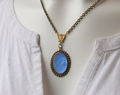 Cameo Necklace / Sapphire Blue Cameo / Antiqued Brass Chain / Bright Blue Glass Cameo / Romantic Victorian Cameo Necklace / Vintage Jewelry