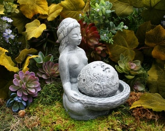 Moon Goddess Statue - Lunar Goddess Offering Sculpture - Moon Gazing Concrete Garden Art