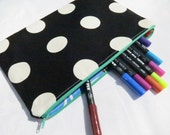 Large pouch in black & white spots