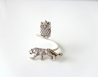 Silver owl ring with a tiger, adjustable ring, animal ring, silver ring, statement ring