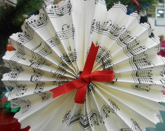 Musical and Flowery Round Fan Ornament